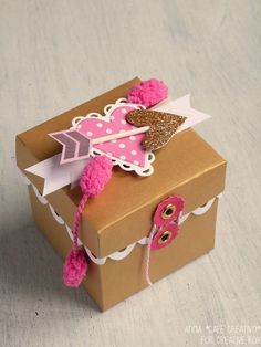 Valentines Gift Box made with the Big Shot Plus starter kit from Creative Rox 1st Boy Birthday, Diy Birthday, Valentines Gift Box, Valentine Party, Sizzix Big Shot Plus, Balloon Box, Exploding Box Card, Creative Box, Diy Gifts For Friends