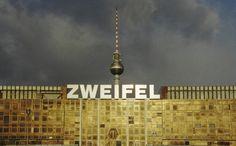 #Berlin Palast der Republik - Zweifel  #Fernsehturm www.berlinfotografin.de Foto Jana Farley | Follow me on www.facebook.com/pages/Berlin-Fotografin/304964096211572