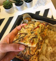 Tarta vegana cu rosii, din faina de naut 🍅🍅🍅 Link in bio. Vegetable Pizza, Quiche, Vegan Recipes, Vegetables, Breakfast, Link, Food, Pie, Morning Coffee