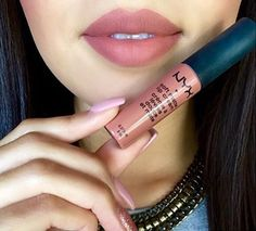 nyx cosmetics soft matte lip cream in the shade stockholm paired with Nyx lip liner in mauve Nyx Lip Liner, Nyx Lipstick, Lip Liner Tips, Matte Lipsticks, Lipstick Shades, Nyx Soft Matte Lipstick, Nyx Lip Pencil, Natural Lipstick, Makeup Dupes