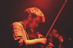 26/11 Alberto Freddi, C'esco e i musicanti di Brahma - Brahma di Libero @ Circolo Libero Pensiero di Lecco. Fotografie di Chiara Arrigoni. #cesco #brahma #rock #music #live #liberopensiero #lecco #violino #violinista #violin