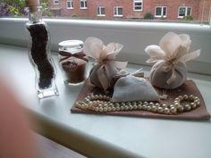 Kávová zrnka,kávová svíčka a levandulové pytlíčky