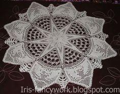 Christmas Crochet Patterns, Crochet Stitches Patterns, Stitch Patterns, Crochet Christmas, Fillet Crochet, Irish Crochet, Creative Words, Crochet Doilies, Crochet Projects