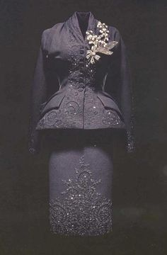 Dior 1950 embellishment and style