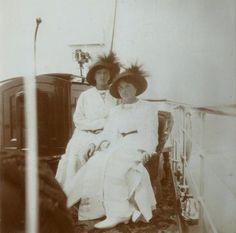 Tatiana and Olga, 1914