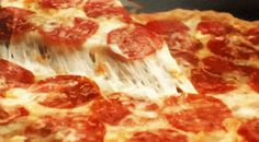 The perfect Pizza Pepperoni Cheese Animated GIF for your conversation. Discover and Share the best GIFs on Tenor. Pizza Gif, Pizza Dough, Pizza Burgers, Great Pizza, Perfect Pizza, Eat On A Budget, Frozen Pizza, Pizza Delivery, Gourmet
