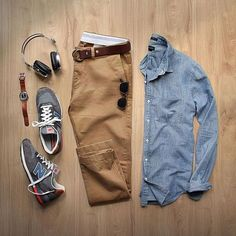 Chambray the right way ⤴️  @thepacman82 . . Shop Dad Threads ⤵️⤵️ Chambray: @jcrew Belt: @toddsnyderny  Watch: @miansai Headphones: @lstnsound  Trainers: @newbalance
