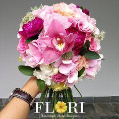 "98 Likes, 1 Comments - Makeup Bouquet (@flori.malaysia) on Instagram: ""FRESH FLOWER BRIDAL BOUQUET  #FloriBridalBouquet . Get your Fresh Flower Bridal Bouquet for your…"""