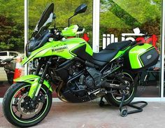 Kawasaki Versys 650 Green Monster Versys 650, Green Monsters, Move Your Body, Adventure Tours, Car Wheels, Toy Boxes, Custom Bikes, Bobber, Cars And Motorcycles