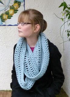 Paloma Infinity Scarf by Anniken Allis Published in Anni Design Craft Crochet Category Neck / Torso → Scarf Neck / Torso → Cowl Published January 2012 Suggested yarn Debbie Bliss Paloma Yarn weight Bulky / 12 ply (7 wpi) ?