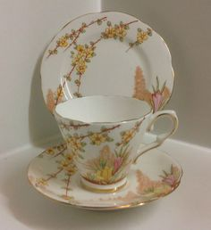 Gladstone China Art Deco Tea Set Trio ,English Bone China. Antique Tea Cups, Antique Dishes, Vintage Dishes, Vintage China, Teapots And Cups, Teacups, Gladstone, China Art, Tea Service