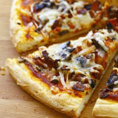 Discover our easy and fast recipe of Gluten Free Pizza on Current Cuisine! Find the preparation steps, tips and advice for a successful dish. Lactose Free Recipes, Gluten Free Cooking, Gourmet Recipes, Snack Recipes, Salty Foods, Healthy Pizza, Healthy Cooking, Pizza Hut, Recipes