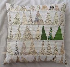 Quilted Pillow Inspiration | [Amy's] Crafty Shenanigans: X-Factor pillow swap - sent and received
