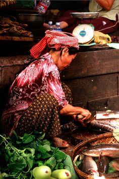 Phnom Penh Market - Cambodia     Photo by Jim Delicio #khmer #travel #suenodocfilms