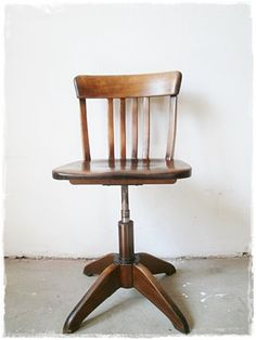 Ein toller Drehstuhlklassiker von Stoll/Sedus ist dieser alte Drehstuhl. Er ist in einem einwandfreien Zustand mit einer sehr schönen, gleichmäßige...