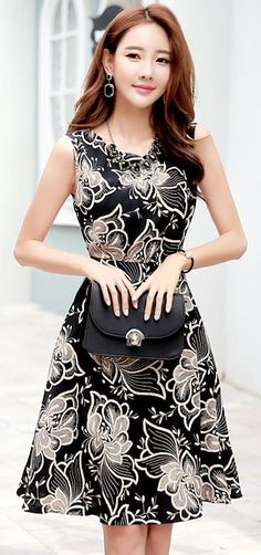 StyleOnme_Floral Patterned Sleeveless A-Line Dress #floral #flower #black #dress…