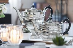 Um charme ao receber de forma requintada, com peças de prata para um chá da tarde. Veja decoração de mesa - por Patricia Junqueira http://www.patriciajunqueira.com.br