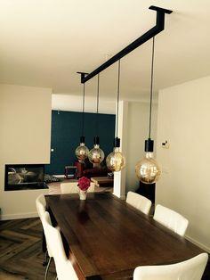 kronleuchter kronleuchter in 2019 Dining Table Lighting, Rustic Lighting, Kitchen Lighting, Home Lighting, Lighting Design, Industrial Home Design, Rustic Home Design, Interior Design Living Room, Interior Decorating