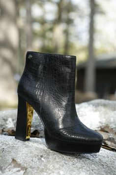 Swap your snow boots for ankle boots. *Tommy Hilfiger NYE challenge*