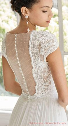 Gorgeous wedding dress with stunning back details #weddinggown #weddingdress wedding dress