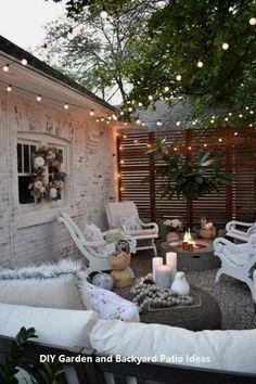 Wonderful And Timeless Backyard Patio Design Ideas 17 Wunderbare und zeitlose Hinterhof-Patio-Design Patio Diy, Patio Fence, Cozy Patio, Patio Wall, Backyard Fences, Patio Ideas, Patio Privacy, Backyard Ideas, Garden Ideas