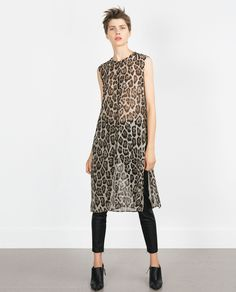 If you're anything like us, it's safe to assume you'll find any excuse to pop into Zara. Well, here's a new one: Halloween. Casual Chic, Casual Wear, Casual Outfits, Fashion Outfits, Womens Fashion, Fast Fashion, Minimal Outfit, Minimal Fashion, Quoi Porter