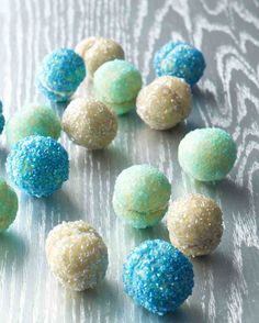 Glitter Ball Cookies for a Frozen Birthday Party - so pretty and look easy to make