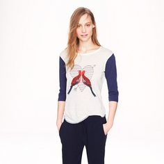 Adoring this tee of many personalities, and would love it even more with a pair of red skinnies and Converse or, conversely, a midi skirt and glittery pumps Linen baseball tee in lovebirds. Women's Linen Baseball Tee in 'Lovebirds' by J Crew Outfits, Cute Outfits, J Crew Men, What To Wear, Mom Jeans, Clothes For Women, My Style, Band Camp, Baseball Tees