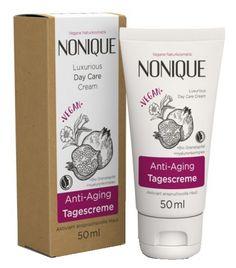 Nutre e rigenera la pelle, adatta per l'utilizzo quotidiano, perfetta anche per preparare la pelle al trucco - 7.99€