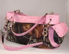 Mossy Oak Pink Trim Chain Purse