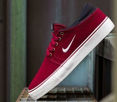 Nike Skateboarding's vulc soled and Zoom cushioned Team Edition has just landed in a new colorway for May. The sneaker features a team red suede upper with Nike Sb, Nike Zoom, Mode Shoes, Men's Shoes, Shoe Boots, Red Sneakers, Sneakers Nike, Sneakers Style, Janoski Nike