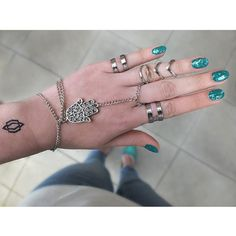 #nail #nails #nailpolish #nailartdesign #naildesign #nailart #nailaddict #nagellack #nagelkunst #nägel #turqouisenails #mermaidnails #türkis #naillove #fatimashand #fatimahand #handchain #handschmuck #fashionblogger_de #blogger #blogger_de #germanblogger #germanfashionblogger #fashionblog #fashionblog_de #ringe #glitzernägel #glitternails #glitter