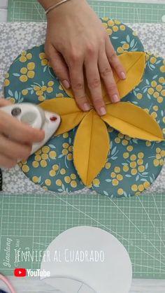 Sewing Basics, Sewing Hacks, Sewing Tutorials, Patchwork Quilt Patterns, Sewing Patterns, Patchwork Fabric, Fabric Crafts, Sewing Crafts, Couture Sewing Techniques