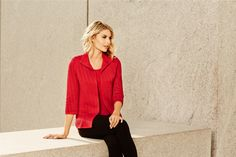 This beautifully bold-hued heritage fit jacket adds the perfect amount of polish to any ensemble. Featuring a lapel collar and falling to the hips, this textured knit jacket gracefully skims the body. Pair this jacket with a slim fit pant or classic black dress for a look that will take you from workwear to evening wear with ease.