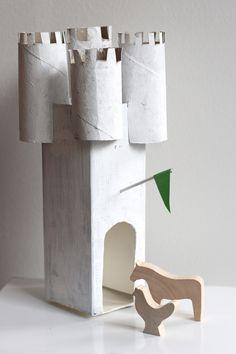 UKKONOOA: Pahvilinna DIY recycled cardboard castle milk carton and toilet paper rolls Projects For Kids, Diy For Kids, Crafts For Kids, Craft Projects, Cardboard Castle, Cardboard Crafts, Toilet Paper Roll Crafts, Crafty Kids, Diy Recycle