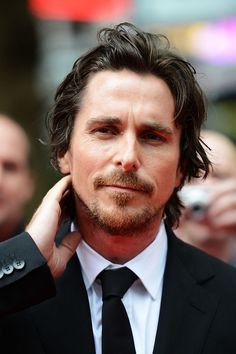 Nov 2019 - Christian Bale attends the European premiere of The Dark Knight Rises at The BFI IMAX on July 2012 in London, England. Batman Begins, Bale Hair, Batman Christian Bale, Christian Bale Hot, Chris Bale, European Men, Justice League Wonder Woman, The Dark Knight Rises, Trending Haircuts