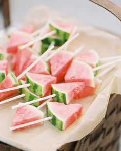 16 Fun Ideas for Bridal Shower Food # Food and Drink ideas bridal shower 16 Fun Ideas for Bridal Shower Food Comida Baby Shower, Wedding Canapes, Party Food Platters, Food Buffet, Chic Bridal Showers, Finger Sandwiches, Snacks Für Party, Party Desserts, Bridal Shower Decorations