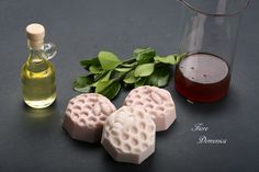 Σαπούνι με γάλα κατσίκας και μέλι Face Soap, Body Soap, Soaps, Ethnic Recipes, Food, Hand Soaps, Eten, Lotion Bars, Soap