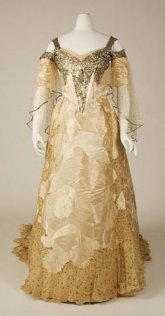 Ball gown Design House: House of Worth (French, Date: ca. 1900 Culture: French Medium: silk, sequins Dimensions: Length at CB (a): 9 in. cm) Length at CB (b): 77 in. 1900s Fashion, Edwardian Fashion, Vintage Fashion, High Fashion, Gothic Fashion, Womens Fashion, Antique Clothing, Historical Clothing, Vintage Gowns