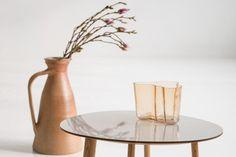 Habitek Morris coffee table accompanied by an Alvar Aalto vase