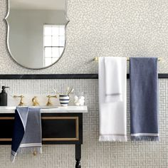 Attirant The Hill Side Selvedge Navy Bath Towels