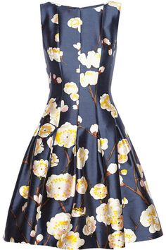 Oscar de la Renta @reignbojones I found my dress... lol I love you but maybe a tad out of my price range!