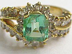 DIAMOND-EMERALD RING