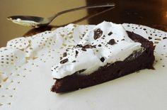 Mystinen bataatti-suklaakakku