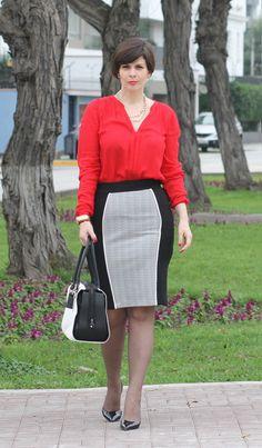 Divina Ejecutiva: Mis Looks - La Falda negra & blanca