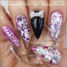 Stiletto design acrylic nails | ko-te.com by @evatornado |