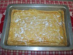This is great breakfast cake. The topping should be gooey. Cherry pie filling can be added as a topping for variety. German Butter Cake, Mastros Butter Cake, Chocolate Butter Cake, Yellow Butter Cake, Butter Kuchen Recipe, Paula Deen Butter Cake, Cake Recipes, Dessert Recipes, Desserts