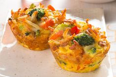 Cheesy Egg and Veggie Cups – Check out this recipe to learn how to make this recipe for Muffin Tin Cheesy Veggie and Egg Cups! These mini vegetable frittatas are full of colorful veggies & Parmesan cheese. Fresh Vegetables, Veggies, Veggie Cups, Cheesy Eggs, Breakfast Recipes, Brunch Recipes, Breakfast Ideas, Dessert Recipes, Desserts