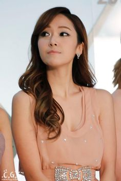 Jessica, what are you looking at? Girls' Generation