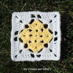 """Materials:  - 4-ply worsted weight acrylic (I used Loops & Threads Impeccable)   - yellow   - soft white  - J hook   Size: 5 1/2""""   ..."""